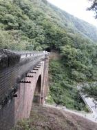 トンネルへ続くアプトの道