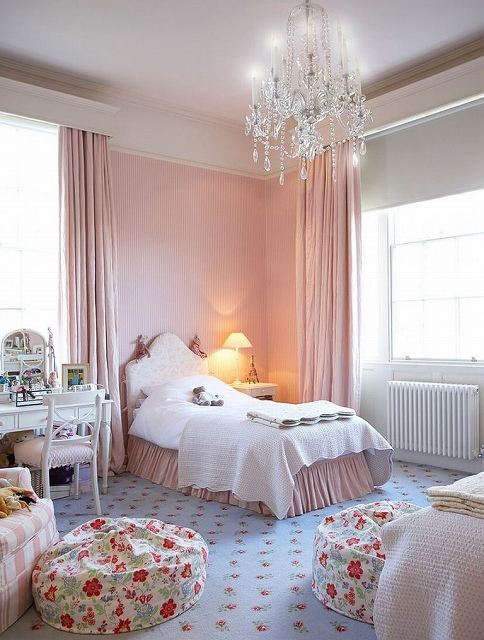 Striped-accent-wall-in-pastel-pink-for-the-cool-bedroom-768x1014.jpg