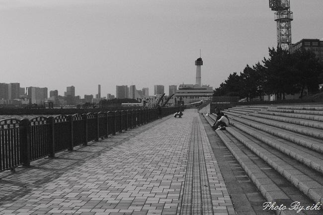青海南ふ頭公園のモノクロの写真