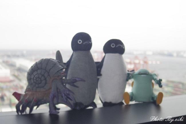 テレコムセンター展望台でSuicaのペンギンとガタノゾーアとメカトロウィーゴ
