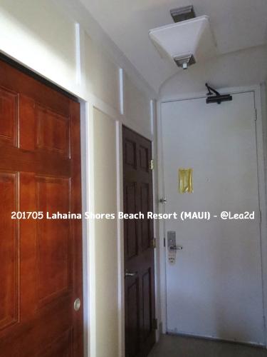 201705 ラハイナ ショアズ ビーチ リゾート Lahaina Shores Beach Resort その1 バスルーム