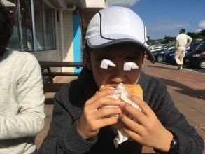 沖縄自動車道で食べる「中城バーガー(なかぐすくばーがー)」!那覇空港から北へ高速道路で移動する際にも少しでも沖縄を味わいたいなら!