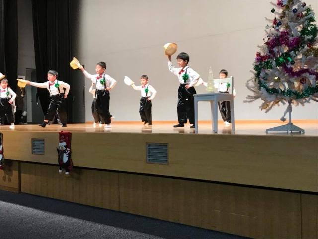 大歳の放課後児童クラブ「さわやか学級」のクリスマス会