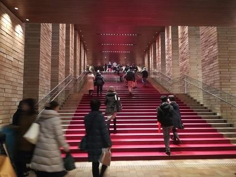 15 フェスティバルホール・階段
