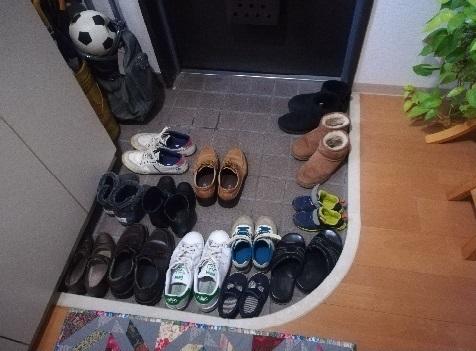 14 来客靴がいっぱい