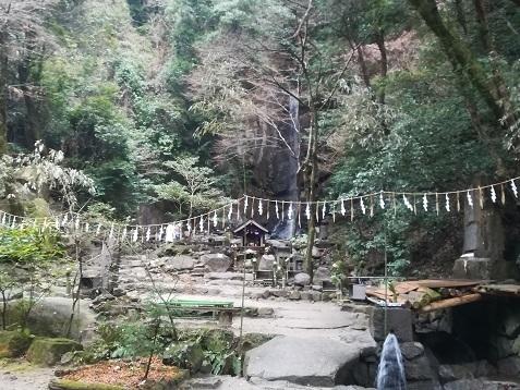 14 桃尾の滝