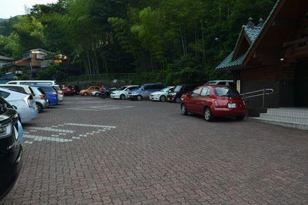 『01_201707160659駐車場』