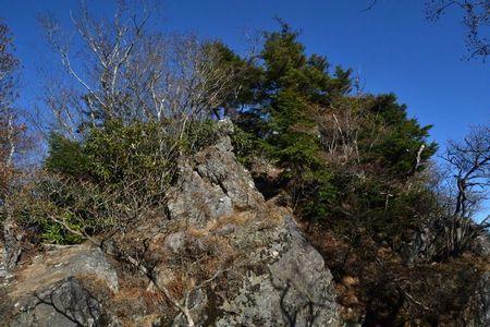 『031423_200登山道』