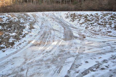201801021413_235駐車場の残雪