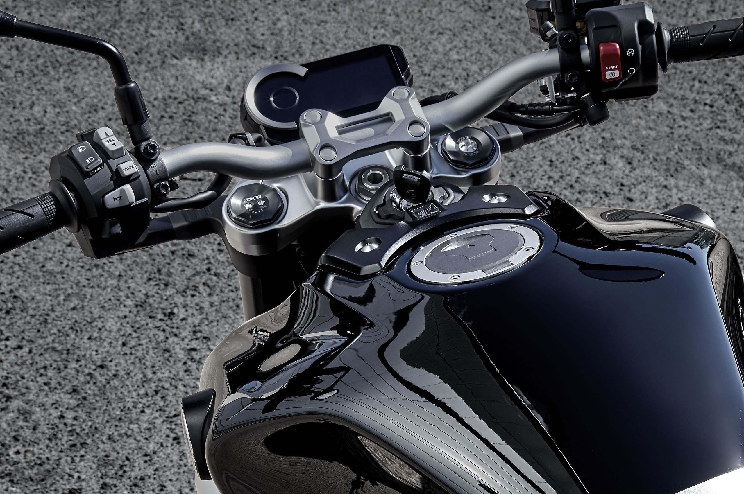 2018-Honda-CB1000R-20.jpg