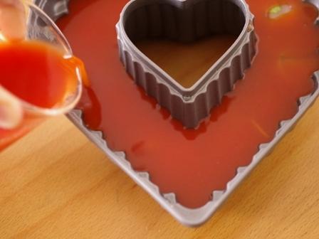 二層のゼリー野菜ジュースと桃缶04