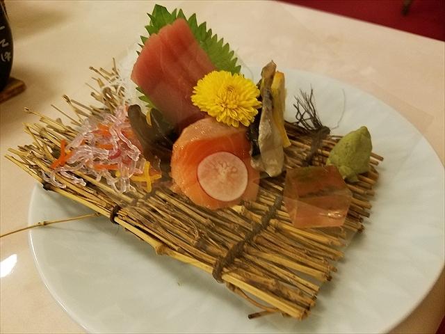 20171111_180230_R 鮪、サーモン、鯖オレンジ締め、木耳とツマ