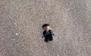 Flotsam-Minifig-Lego-Toys-Lost-Sand-Beach-1738762_convert_20171107230945.jpg