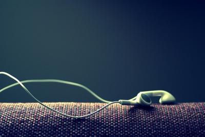 Apple 白いイヤホン iPod 音楽