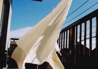お前らカーテン洗うといいよ!4年半ぶりに洗ったら洗濯機が泥水 匂い付柔軟剤入れると最高!