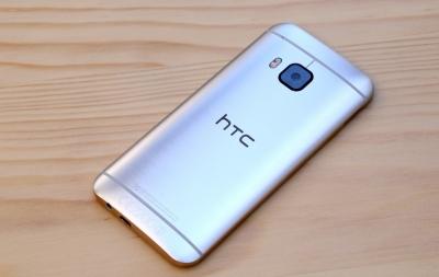 HTC 曲面 スマートフォン