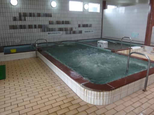 主浴槽引き