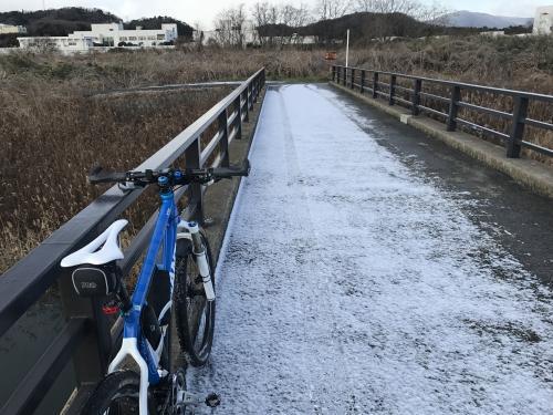 【2017.初雪の中のジテツウ】・5