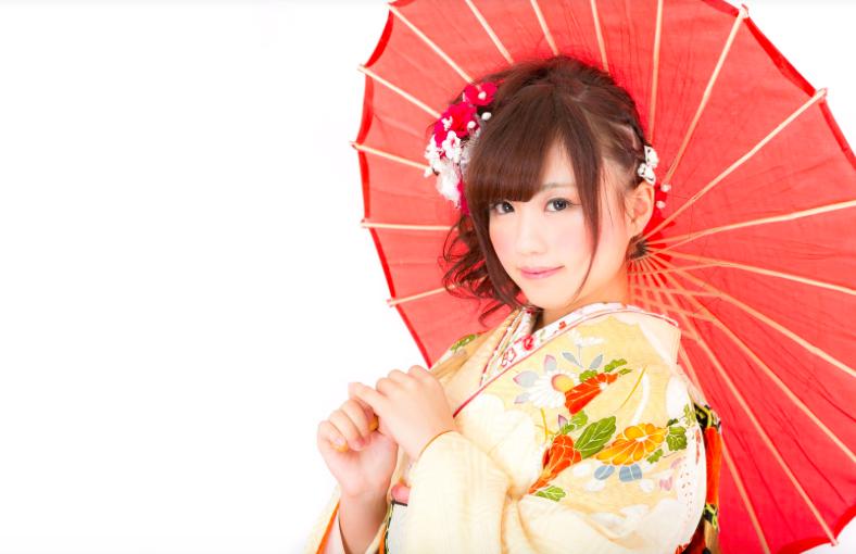 着物の日本女性