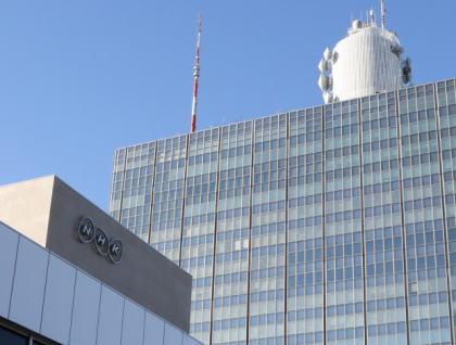 NHK札幌、オウム真理教後継団体「アレフ」に関する住民インタビューした音声ファイルをダウンロードできるURLを、誤ってアレフに送信してしまう … 誤送信後上司に報告したが、データファイルを開けないように処理をしたのは2日後