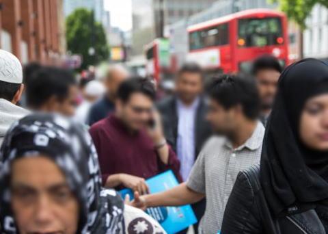韓国中央日報 「韓国人留学生『ロンドンで10人程度の白人と黒人の若者達に暴行された。警察に通報したが心理治療を勧められた。韓国大使館に助けを求めたが助けてもらえなかった』」