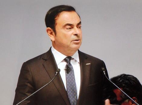 日産自動車のカルロス・ゴーン会長(64)、自らの報酬を過少に申告した疑いで東京地検特捜部が任意同行、容疑が固まり次第逮捕する方針