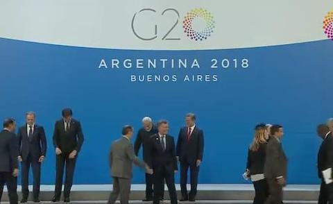 外交の天才・文在寅、G20でも完全にボッチ … 誰からも話しかけられず、にもかかわらず終始ヘラヘラく(ノーカット動画)