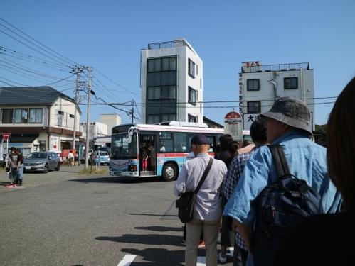 IMG_1575 バス待ち