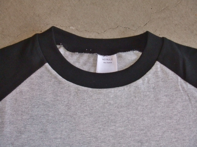 NORULE Raglan sleeve tee VerySpecial gray1