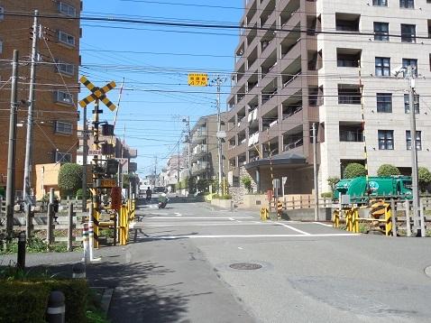 小田急江ノ島線の東林間6号踏切@大和市a