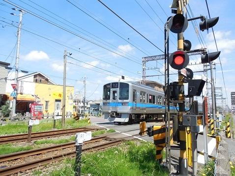 小田急江ノ島線の桜ヶ丘8号踏切@大和市f