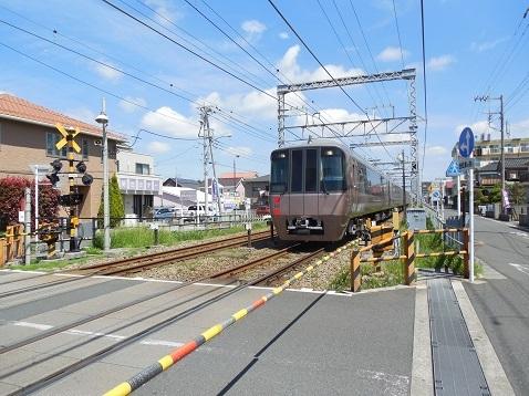 小田急江ノ島線の桜ヶ丘10号踏切@大和市f