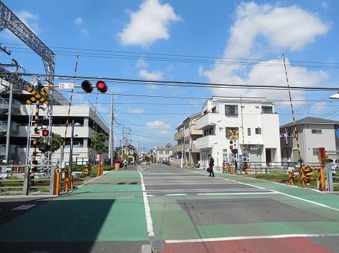 小田急江ノ島線の桜ヶ丘11号踏切@大和市a