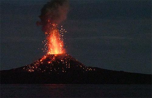 西之島の噴火は大陸生成を再現