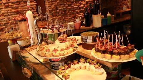 02053M Bar Zezen Gorri en Plaza Nueva