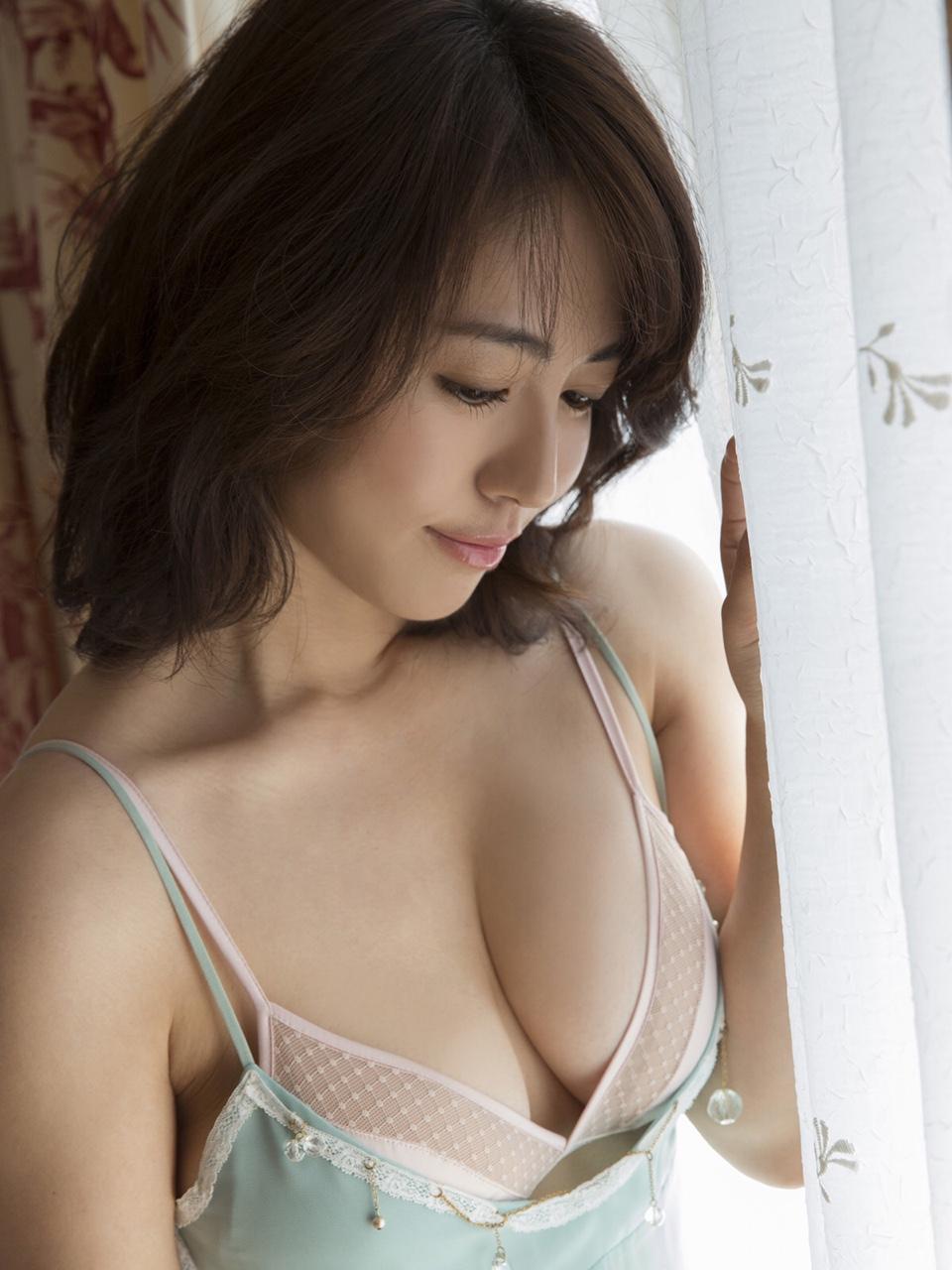 gs_isoyamasayaka_001_004.jpg