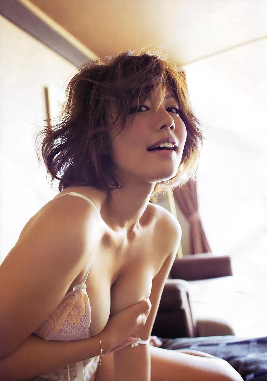 gs_isoyamasayaka_001_007.jpg