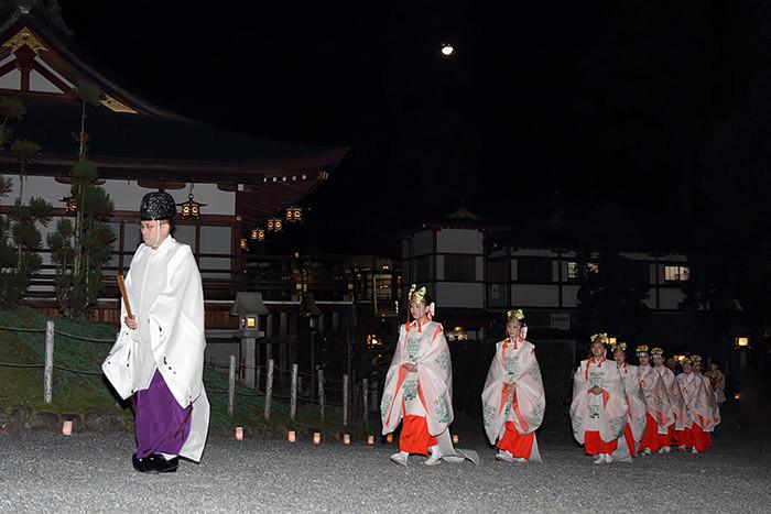 大神神社 観月祭1