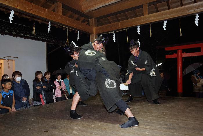 丹生神社 宵宮祭/ヨコトビ・スモウ4
