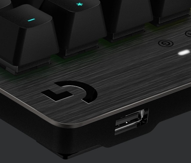 マウスキーボードマウス05 (640x546)