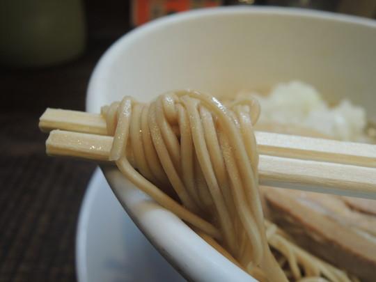 淡麗煮干ラーメンの麺