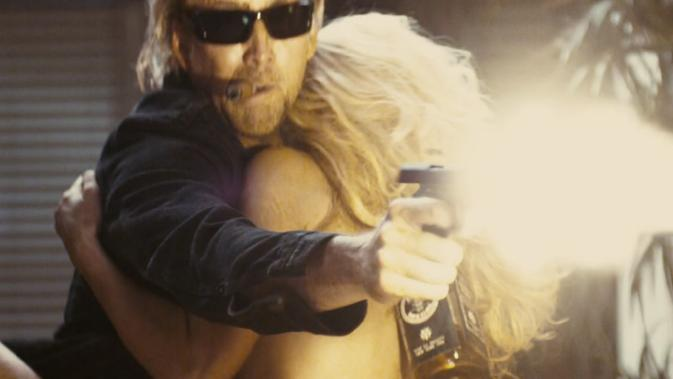 da-nicolas Charlotte Ross gunfight