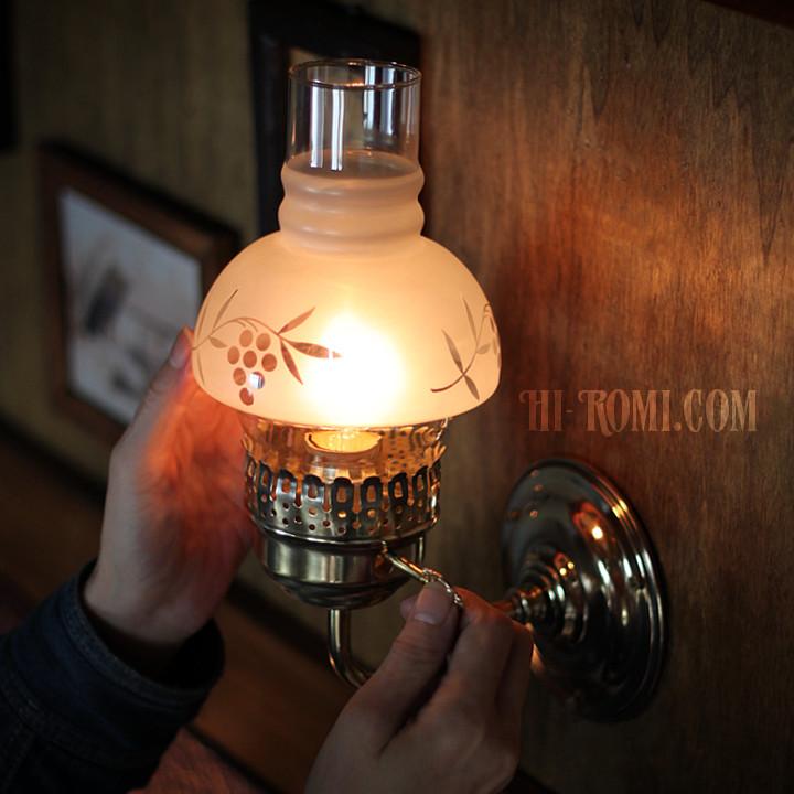 USAヴィンテージ照明フロストガラスチムニーブラケットライト