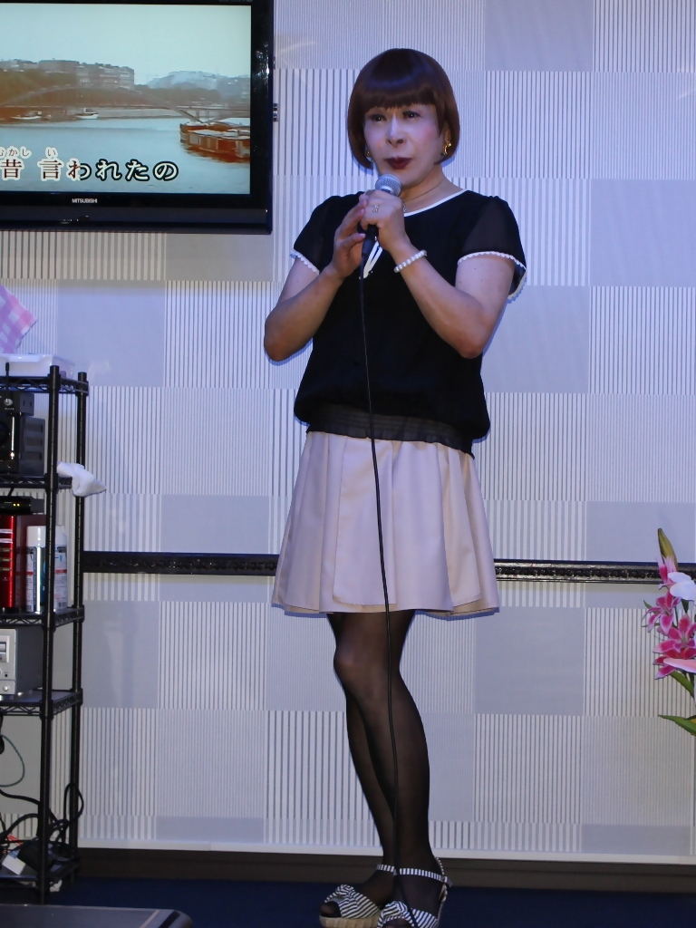 黒半袖シフォンブラウス(4)