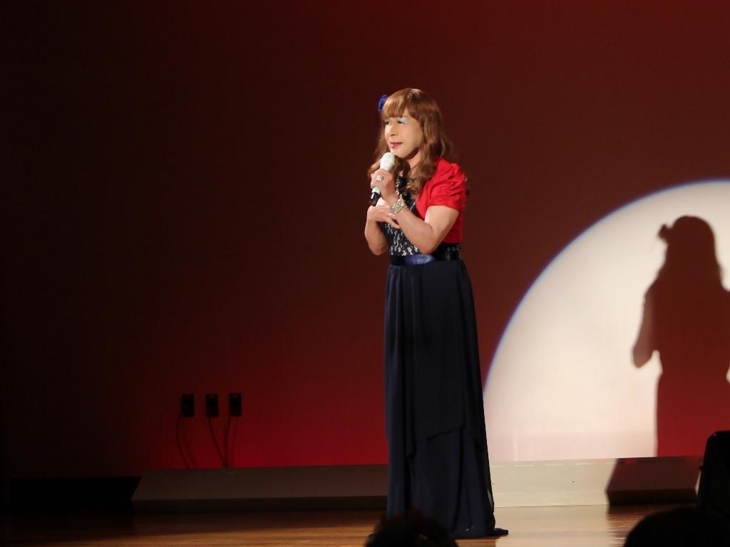 紺ドレス赤ボレロ舞台写真(4)