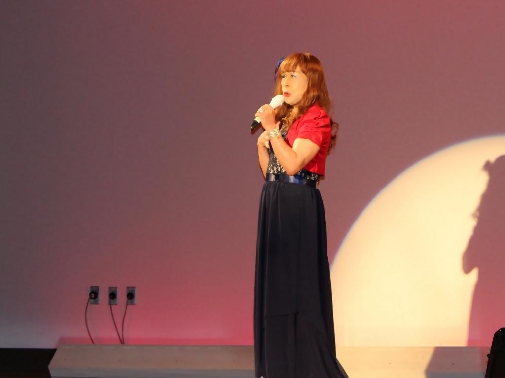 紺ドレス赤ボレロ舞台写真(6)