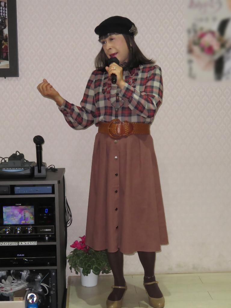 カメオピンクスカ黒ベレー帽カラオケ(4)