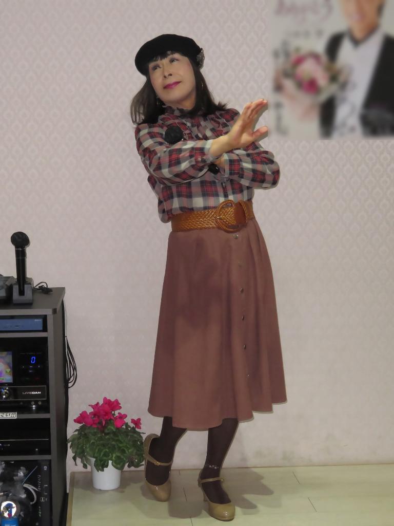 カメオピンクスカ黒ベレー帽カラオケ(2)