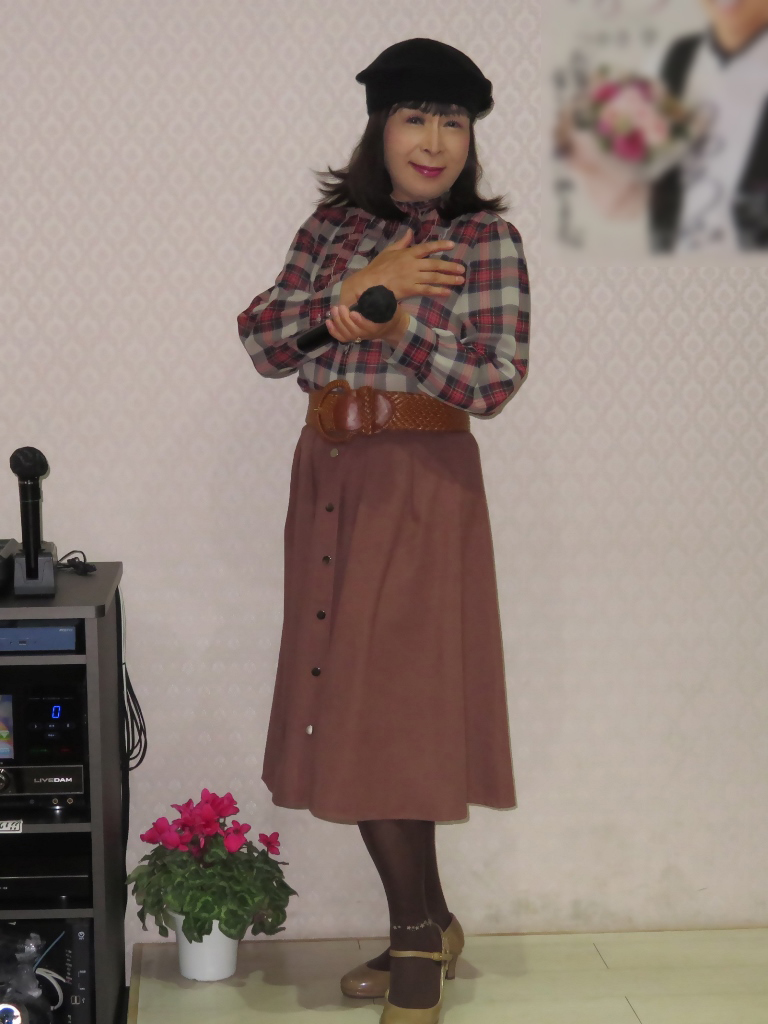 カメオピンクスカ黒ベレー帽カラオケ(6)