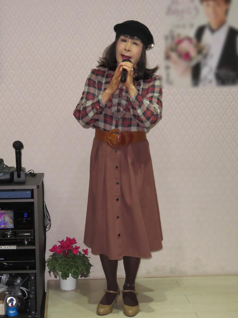 カメオピンクスカ黒ベレー帽カラオケ(7)